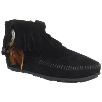 Minnetonka Concho Feather Side Zip Boot Black Suede 520 (Women's)