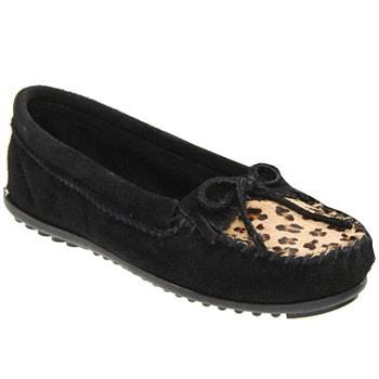 Minnetonka Leopard Kilty Moc Black 349F (Women's)